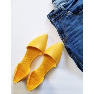 Native Audrey Yellow Pointed Toe Flats 6